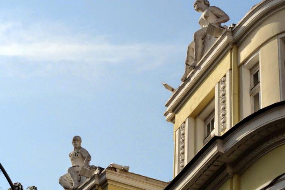 Проверяват състоянието на 42 стари сгради във Варна