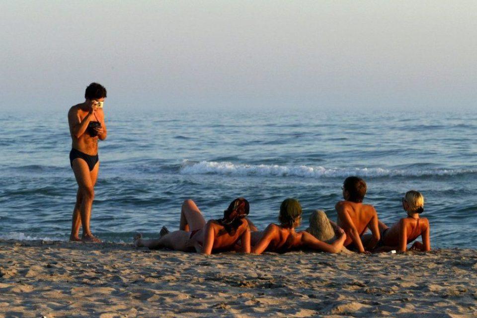 Близо 3000 чужденци работят по морските ни курорти