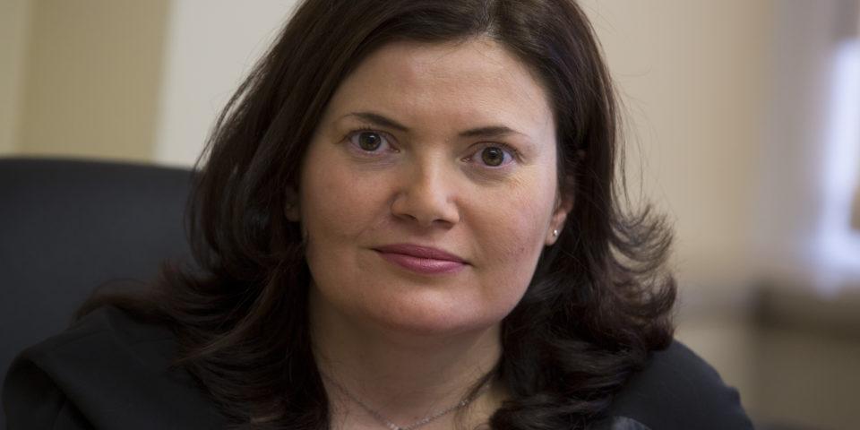 """Зам.-министър Малина Крумова: """"Общините трябва да изпълняват ефективно функциите си като възложители по програмата за саниране"""""""