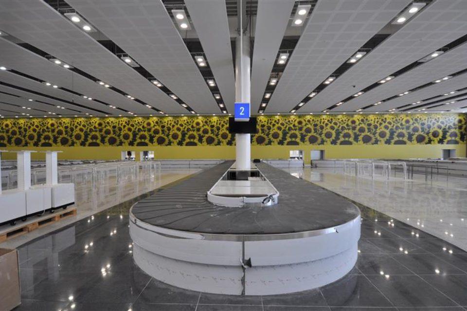 Летище Варна е с нова визия
