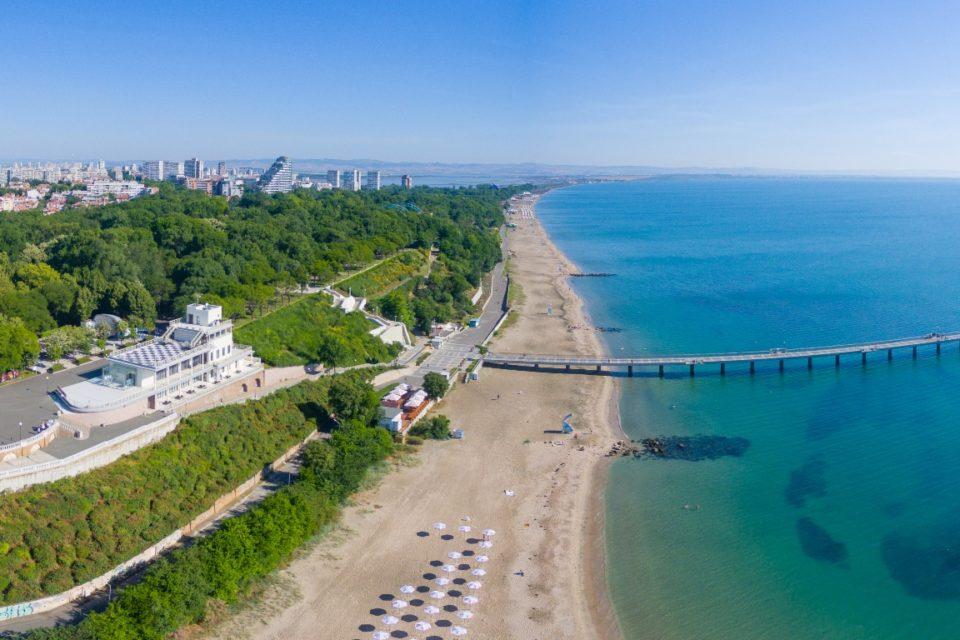 Бургас е вторият най-скъп град за живот в България