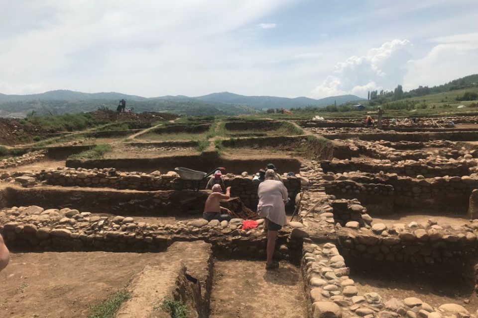 """АПИ стартира подготовката на проект за консервация и реставрация на археологическите обекти на АМ """"Струма"""" край Покровник"""