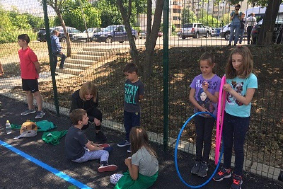Фандъкова: Инвестираме в изграждането на нови над 120 детски площадки в различни райони на София