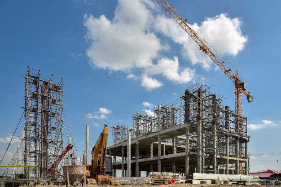 Строим по –  малко жилищни сгради, повече административни