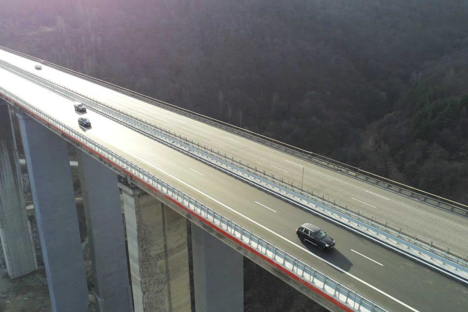 """10 големи съоръжения на автомагистралите """"Тракия"""" и """"Хемус"""" са ремонтирани през 2019 г."""