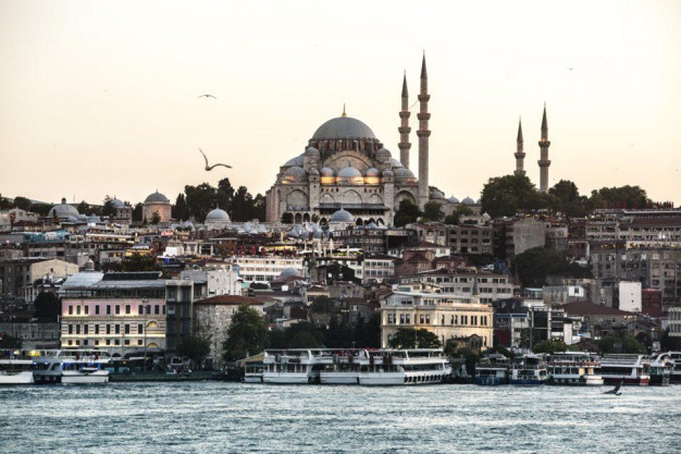 Най-много български туристи в Турция през януари