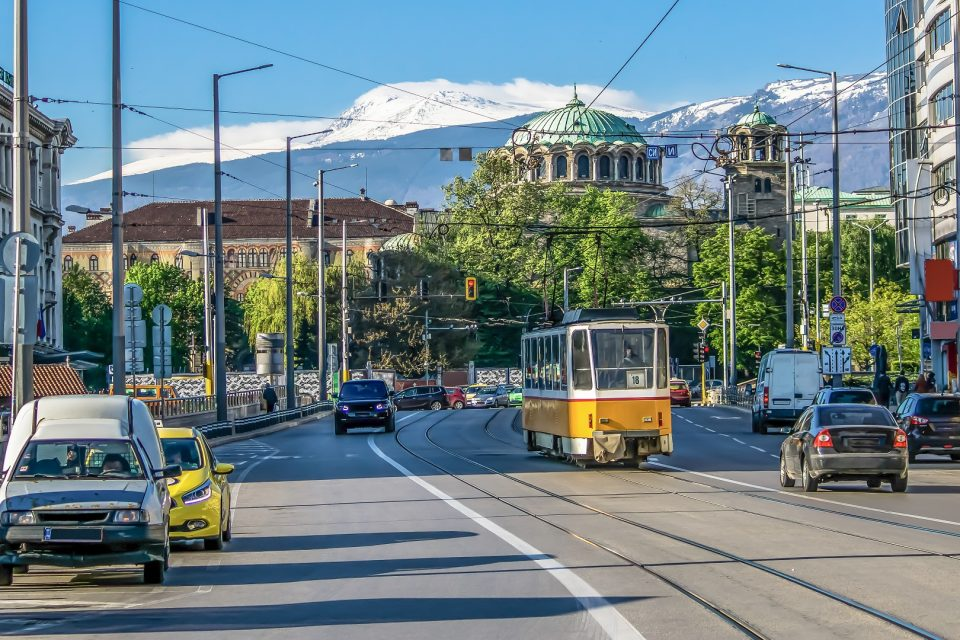 ЕИБ и Столична община подписаха договор за заем на стойност 60 млн. евро за устойчиви проекти за мобилност